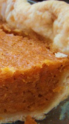 Amazing Sweet Potato Pie Very simple, extremely good. I will use this as my go to for sweet potato pie. Thank you Aunt Bea! Köstliche Desserts, Delicious Desserts, Dessert Recipes, Food Deserts, Enjoy Your Meal, Plat Simple, Sweet Potato Recipes, Sweet Potatoe Pie, Southern Sweet Potato Pie