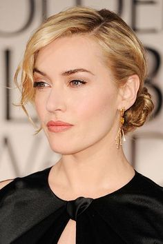 Kate Winslet at the Golden Globes in 2012. Kate wowed on the red carpet with her hair styled into a low chignon, her blonde tresses left wavy and swept to the side for a laidback touch. It proved to be an exciting night for the star, who picked up the trophy for Best Actress for her performance in Mildred Pierce.