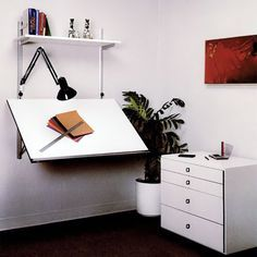 The Rakks Continental Shelf can be used as a drafting board, display rack, projection screen or work surface. As a desk it can support up to 75 pounds. Home Art Studios, Art Studio At Home, Rangement Art, Architecture Desk, Drawing Desk, Drawing Tables, Continental Shelf, Art Desk, Shelving Systems