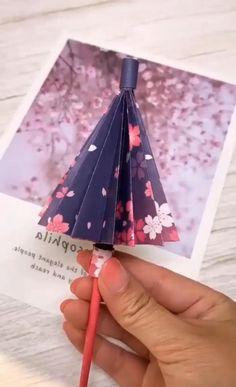 Instruções Origami, Paper Crafts Origami, Diy Paper, Paper Crafting, Origami Ideas, Oragami, Origami Gifts, Diy Crafts For Gifts, Diy Arts And Crafts