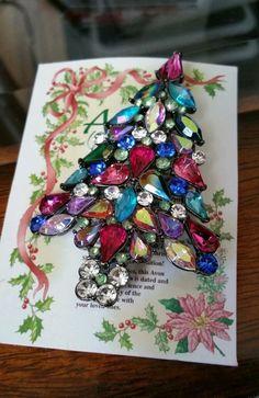 AVON 2006 Rhinestone CHRISTMAS TREE Gun metal Glass Brooch Pin 3rd Annual #Avon #Vintage