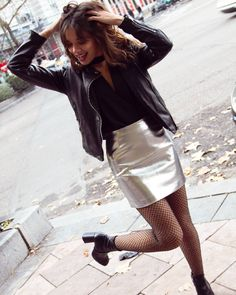 Kiss my Look - Vestidos Color Plata, Anniversary Outfit, Fiesta Outfit, Metallic Skirt, Dress For You, Spring Outfits, Leather Skirt, Casual Outfits, Womens Fashion