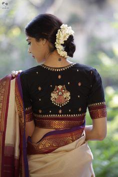 Black GandaBerunda Cotton Blouse Beautiful design, get it made for you. Silk Saree Blouse Designs, Fancy Blouse Designs, Bridal Blouse Designs, Blouse Neck Designs, Indian Blouse Designs, Black Saree Blouse, Lace Saree, Saree Blouse Patterns, Designer Blouse Patterns