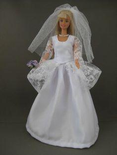 Colonial Bride. €6. Zelfgemaakte Barbie kleding te koop via Marktplaats bij de advertenties van Nala fashion. Homemade Barbie doll clothes (OOAK) for sale through Marktplaats.nl Verkocht/Sold