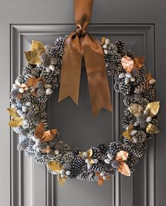 wreath that embodies every element of the winter season