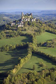 Turenne liegt in der Region Limousin. / Le village de Turenne se situe dans le Limousin.