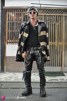 121008-2684 - Japanese street fashion in Shinjuku, Tokyo