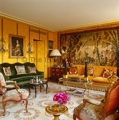 The drawing room is dominated by a bold Aubusson tapestry and is filled with furniture and objects that span the centuries Interior Exterior, Home Interior Design, Interior Decorating, Room Interior, English Interior, Classic Interior, Classic Living Room, Deco Boheme, Elegant Homes