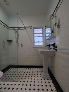 Gray bathroom tile ideas art tiles patterns floor bathrooms in gorgeous d. Grey Bathroom Tiles, Art Deco Bathroom, Bathroom Gallery, Floor Patterns, Tile Patterns, Art Nouveau, Art Deco Kitchen, Art Prints For Home, Art Deco Fashion