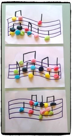 musical notes in playmais, music festival, children& activity, Toddler Crafts, Diy Crafts For Kids, Arts And Crafts, Diy Niños Manualidades, Instrument Craft, Music And Movement, Music For Kids, Music Notes, Preschool Crafts