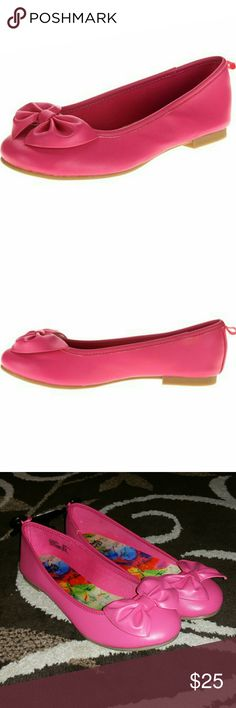 Faded Glory Girl Bow Flats Faded Glory Girls Bow Flats, color pink, size 5,  Brand new, never worn, NWOT. Very nice looking shoe's. Great shoe's/Flats for this spring/summer. Have any questions before purchase, Just ask and I'll try to answer!!! Faded Glory Shoes Dress Shoes
