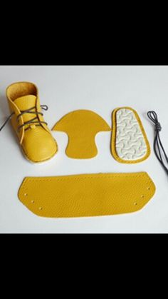 Need some baby boy shoes? The staff at Mamadoo have a great collection - Check them out now. Soft Baby Shoes, Baby Boy Shoes, Baby Booties, Girls Shoes, Doll Shoe Patterns, Baby Shoes Pattern, Sewing Patterns, Baby Sewing Projects, Sewing For Kids