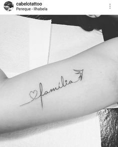 Family - My list of the most creative tattoo models Dainty Tattoos, Baby Tattoos, Mini Tattoos, Family Tattoos, Wrist Tattoos, Love Tattoos, Body Art Tattoos, Small Tattoos, Cool Tattoos For Girls