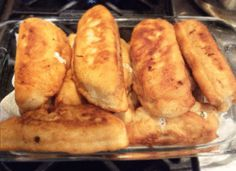 Αφράτα Πιροσκί με φέτα. Απλά τέλεια !!! Greek Recipes, Types Of Food, Baked Potato, Feta, Food And Drink, Bread, Cheese, Cooking, Ethnic Recipes