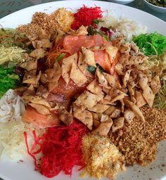 Yee sang lunch by 1CheekyChimp, via Flickr