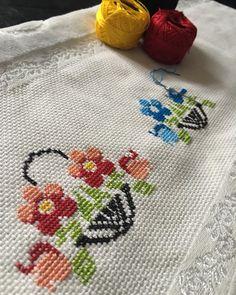 Cross Stitch Designs, Cross Stitch Patterns, Hand Embroidery Design Patterns, Mini Cross Stitch, Pattern Design, Kids Rugs, Handmade, Iftar, Home Decor