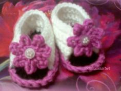 virkatut vauvan tossut - crochet baby slippers