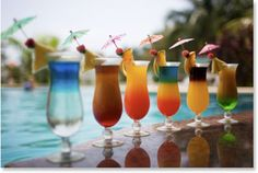 tropical cocktails using skyy vodka Blue Hawaiian Cocktail, Hawaiian Drinks, Fruit Cocktail Drink, Margarita Drink, Drink Bar, Drink Coffee, Thema Hawaii, Sommer Pool Party, Pool Drinks