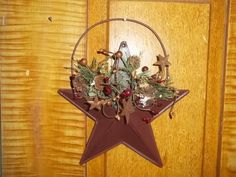 Primitive RT Star Wall Hanger Pine Berries Rusty Tin Stars EB 674 #NaivePrimitive #me