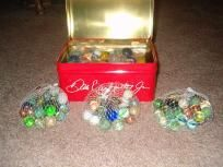 MIX LOT OF VINTAGE MARBLES FROM THE LATE 60'S  THESE ARE MY PERSONAL MARBLES THAT I PLAYED WITH 40 YEARS AGO. WON SOME ...LOST SOME....BUT I HAVE KEPT THESE BEAUTIES ALL THESE YEARS AND KEPT THEM IN A COFFEE CAN AND FIRST TIME OUT OF CONTAINER IN O...