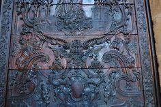 Puerta de la Catedral, Oviedo. Principado de Asturias. Spain. [By Valentin Enrique].