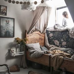 This is my most inspirational account everrrr ✨. Cute Bedroom Ideas, Cute Room Decor, Big Girl Bedrooms, Girls Bedroom, I Coming Home, Bedroom Vintage, Kid Spaces, Kid Beds, Kids Furniture