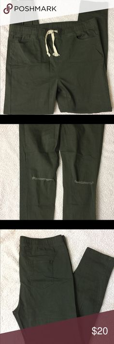 NWOT Active USA Slashed Knee Jeggings NWOT Active USA Plus Size Slashed Knee Drawstring Jeggings 1XL 97% cotton, 3% spandex Army green 4 pocket style Active USA Pants Skinny