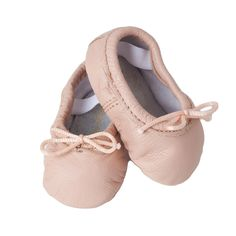 Baby's first ballet slippers in classic prima ballerina pink. A must have for every newborn princess. sizes fit premie, infant, baby and toddler walker shoes.