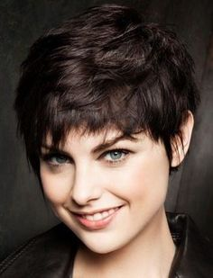 Bold asymmetrical pixie cuts for women. Bold and gorgeous asymmetrical pixie haircuts for short hair. Ways to style pixie cuts. Asymmetrical Pixie Haircut, Pixie Haircut For Thick Hair, Short Hairstyles For Thick Hair, Short Pixie Haircuts, Messy Hairstyles, Short Hair Cuts, Short Hair Styles, Straight Thick Hair, Short Hair With Layers