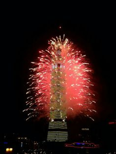 Fireworks lit up Taipei 101 tower, in Taipei ,Taiwan ,to welcome 2014