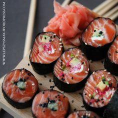 ŁOSOŚ W NORI czyli między sushi a sashimi:)