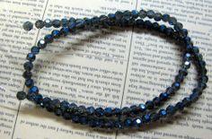 Glaspärlor Facetterade - Runda, Stålblå med AB- lyster, 3mm, 1 sträng  #glaspärlor #pyssel #pärlor #beads #diy #facetterade #görasjälv #craft #pärla