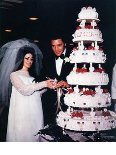 The 20 Most Iconic Wedding Dresses of All Time - Priscilla Presley and Elvis Presley, 1967 Lisa Marie Presley, Priscilla Presley Wedding, Elvis Presley Priscilla, Elvis Presley Family, Before Wedding, Wedding Day, Wedding Anniversary, Wedding Reception, Wedding Photos