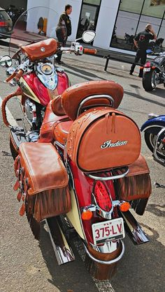Custom leather' Goodness that's pretty! Vintage Bikes, Vintage Motorcycles, Custom Motorcycles, Indian Motorcycles, Motorcycle Logo, Motorcycle Leather, Indian Scout Sixty, Indian Cycle, Chopper