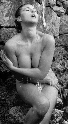 Monica Bellucci. Wet. Wow.  http://www.viralsexy.com