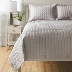 Sensation Cotton Quilt Coverlet (White   Queen)