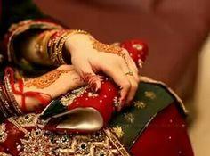 Pretty Hands, Beautiful Hands, Hand Henna, Henna Hands, Henna Art, Dps For Girls, Hand Accessories, Pakistani Bridal, Girls Dpz