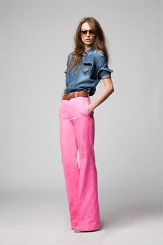 Trendy How To Wear Pink Pants Denim Shirts Ideas Looks Chic, Looks Style, Style Me, Look Fashion, Fashion Beauty, Womens Fashion, Fashion Styles, High Fashion, Net Fashion