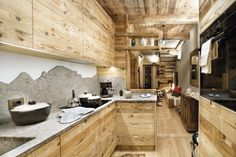 METAMORFOSI DEL LEGNO dentroCASA marzo 2017 Chalet Design, Chalet Style, Rustic Kitchen, Country Kitchen, Chalet Interior, Cabin Kitchens, Cottage In The Woods, Kitchen Corner, Cool Rooms