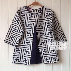 Hasil gambar untuk nona rara batik instagram Batik Blazer, Blouse Batik, Batik Dress, Kimono, African Wear, African Fashion, Blouse Styles, Blouse Designs, Batik Kebaya