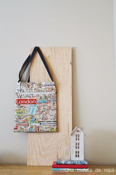 Una Maleta de Ropa | Your Blog Description Magazine Rack, Storage, Blog, Home Decor, Clothing, Purse Storage, Decoration Home, Room Decor, Interior Decorating