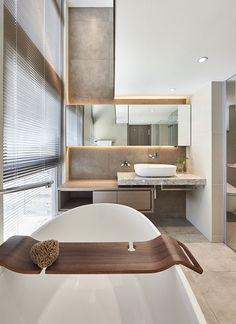 Bathroom Decorating – Home Decorating Ideas Kitchen and room Designs Bathroom Spa, Bathroom Toilets, Washroom, White Bathroom, Master Bathroom, Budget Bathroom, Bad Inspiration, Bathroom Inspiration, Bathroom Interior Design