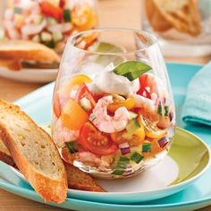 Tartar of Tomatoes and Shrimps in Verrine – Recipes – Cooking and Nutrition – Pratico Pratique Green Tea Recipes, Raw Food Recipes, Gourmet Recipes, Cooking Recipes, Healthy Recipes, Healthy Drinks, Ceviche, Seafood Appetizers, Appetizer Recipes