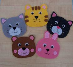 Crafty Projects, Sewing Projects, Bear Felt, Sensory Blanket, Simple Birthday Cards, Animal Bag, Handmade Purses, Kids Bags, Felt Art