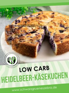 Der Heidelbeer-Käsekuchen ist ein leckerer Low Carb Kuchen. Das Rezept schmeckt nicht nur toll, sondern ist auch noch glutenfrei und zuckerfrei. Foodblogger, Snacks, Lchf, Den, Banana Bread, Diabetes, Community, Board, Desserts