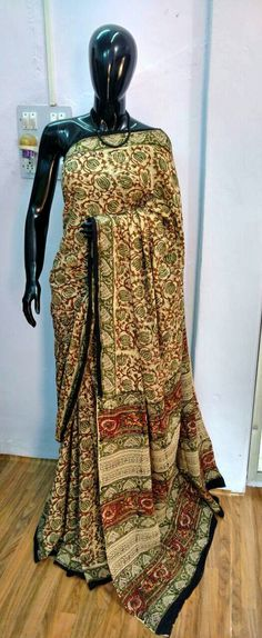 Daily wear soft cotton sarees Ethnic Fashion, Womens Fashion, Cotton Saree, Daily Wear, Sarees, Weave, How To Wear, Women's Fashion, Hair Lengthening