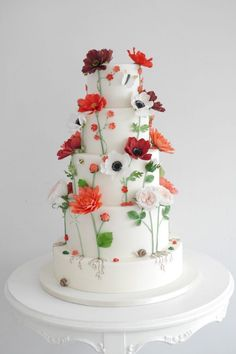 Featured Cake: Zoë Clark Cakes; www.zoeclarkcakes.com; Wedding cake idea.