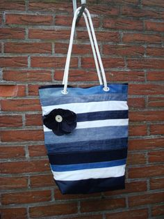 Pinuki: bag made of jeans scraps