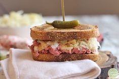 You're going to love this vegan reuben jackfruit sandwich. It is packed with corned jackfruit, crunchy sauerkraut, and tangy Thousand Island dressing on toasted marbled rye. It's a flavor-packed lunch or dinner that truly delivers. Vegan Recipes Using Sauerkraut, Homemade Sauerkraut, Grilled Cheese Recipes Easy, Vegan Recipes Easy, Meat Recipes, Delicious Recipes, Vegan Philly Cheesesteak, Pork Chops And Sauerkraut