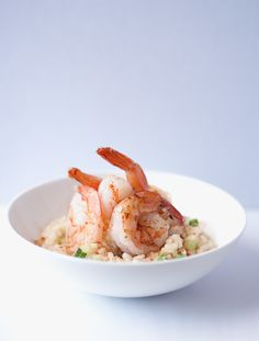 This Creamy Garlic Prawn Risotto is the perfect weeknight dinner recipe, so easy to make and will be ready in less than 30 minutes! Easy Creamy Garlic Prawn Risotto Recipe Risotto is one of those Risotto Recipes, Shrimp Recipes, Rice Recipes, Fish Dishes, Seafood Dishes, Chef Recipes, Grilling Recipes, Cooking Recipes, Creamy Garlic Prawns